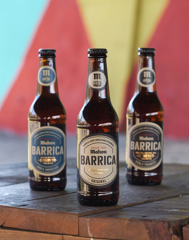 Botellas de las variedades de cerveza de Barrica de Mahou